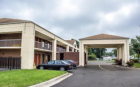 Econo Lodge Henderson North Carolina