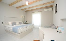 Antony Studios And Apartments Naxos Island