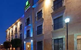 Holiday Inn Express Oaxaca
