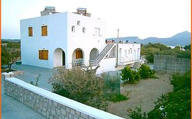 Iremia Rooms Cyclades