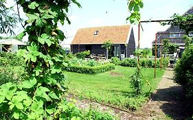 Bed en Breakfast Broek in Waterland