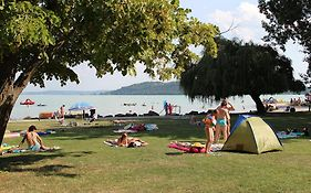Happy Camp Mobile Homes In Balatontourist Fured Camping & Bungalows photos Exterior