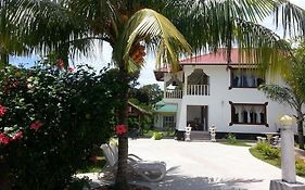 Zanboza Guesthouse la Digue