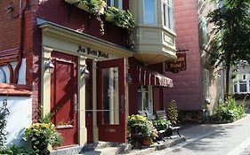 Au Petit Hotel Quebec City