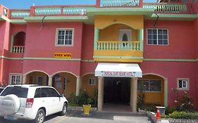 Tropical Court Hotel Montego Bay