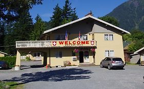 Swiss Chalets Motel Hope Bc