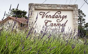 Vendange Carmel Inn & Suites