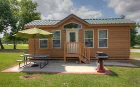 Lake Conroe Two Bedroom Cabin 13