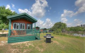 Lake Conroe Queen Studio Cabin 6