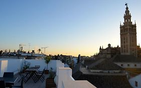 Grand Luxe Hostel Seville