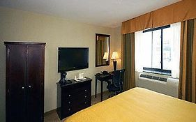 Quality Inn Jamaica Airtrain