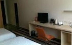 Motel 168 Zhangjiagang Goldport Town