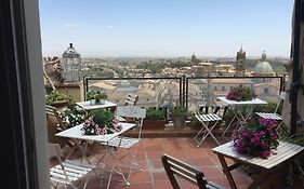 Tre Metri Sopra il Cielo Bed And Breakfast Caltagirone