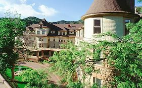 Pikes Peak Hotels Colorado