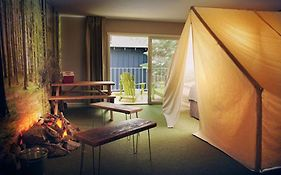 Basecamp Hotel Reviews