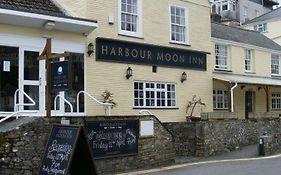 Harbour Moon Inn