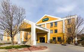 Quality Inn And Suites Manhattan Ks 3*