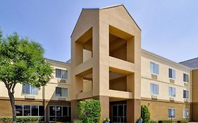 Fairfield Inn And Suites Dallas Market Center