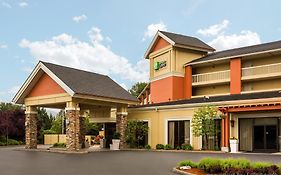 Holiday Inn Express in Roseburg Oregon