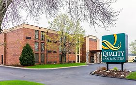 Quality Inn And Suites Arden Hills