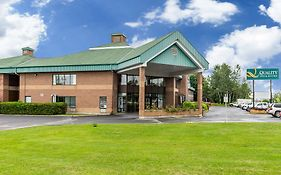 Quality Inn And Suites Hawkesbury
