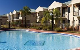 Country Comfort Hotel Perth 4*