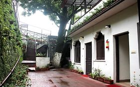 Oyo Rooms Mussoorie Library