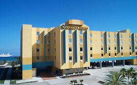 Cocoa Beach Suites Reviews