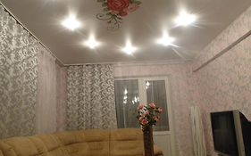 Cozy Apartment in The City Center Kamensk-Ural'skiy