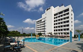 Clarks Hotel Lucknow