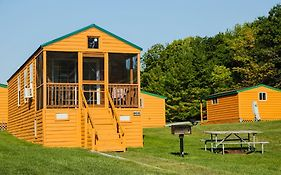 Plymouth Rock Camping Resort Deluxe Cabin 18