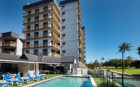 Coral Towers Holiday Suites Cairns Qld