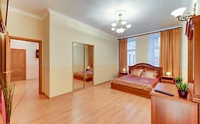 Apartment on Nevsky 63 Saint Petersburg