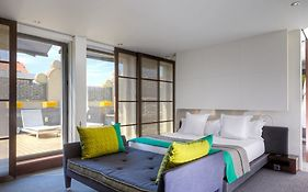 Hotel Sixty Two