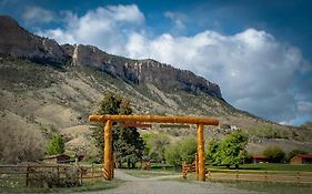 Schmalz Red Pole Ranch And Motel