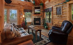 Wilderness Theater And Lodge 3 Bedroom Home With Hot Tub