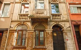 Stories Rooms Galata Istanbul