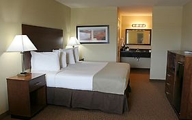 Southern Inn & Suites 3*