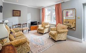 Serviced Apartments Warwick