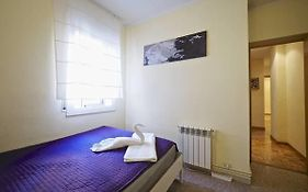 Motorsport Bed & Breakfast Albergue Barcelona