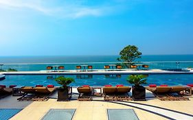 Centara Grand Phratamnak Resort Pattaya