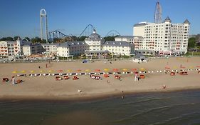 Cedar Point Hotels Breakers