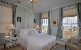 Shorecrest Bed And Breakfast