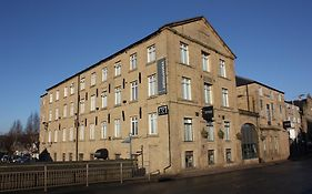 Waterfront Lodge Hotel Brighouse