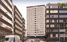 Premier Inn Glasgow City Charing Cross