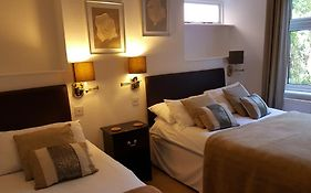 Colebrook Guest House Farnborough
