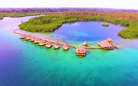 Punta Caracol Aqualodge
