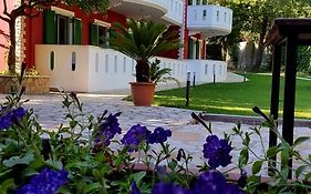 Oasis Apartments Parga