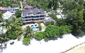 Crown Beach Hotel Mahe Island