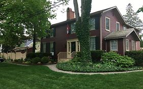 Schoolmaster's House Bed & Breakfast Bed & Breakfast Niagara-on-The-Lake